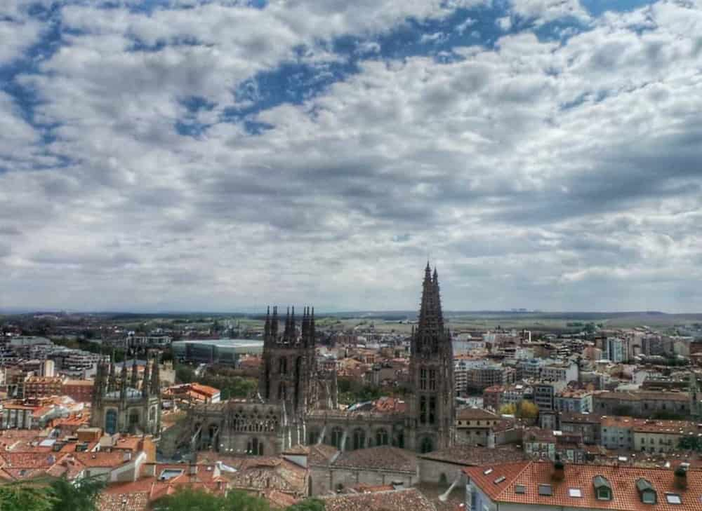Burgos nos ofrece un romántico viaje donde podremos disfrutar de una maravillosa gastronomía