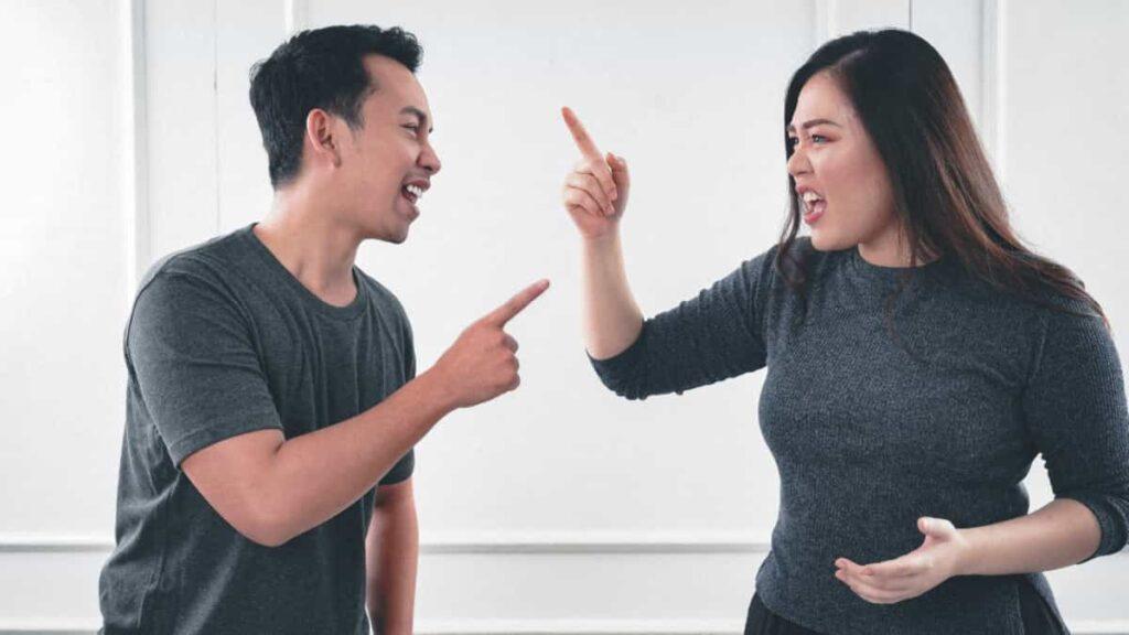 conflictos de pareja, saboteando nuestra relación, no hablar de sentimientos arruinan la relacion,   los problemas del dia a dia desgastan la relacion, los conflictos de pareja no son tan fáciles de arreglar